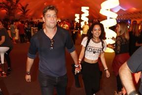 Fábio Assunção e Carol Macedo no Rock in Rio (Foto: Felipe Assumpção/AgNews)