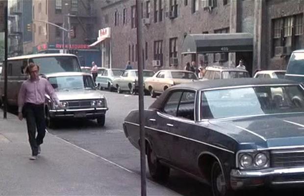 Woody Allen aproveitou Bananas para fazer piadas sobre vagas de rua em Manhattan (Foto: Divulgação)