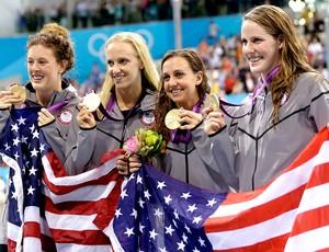equipe feminina natação 4x100 medley Estados Unidos (Foto: AP)