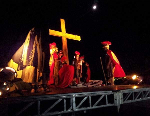 Comunidade da região do Ouro Verde encena Paixão de Cristo em Campinas (Foto: Maurício Barbosa)