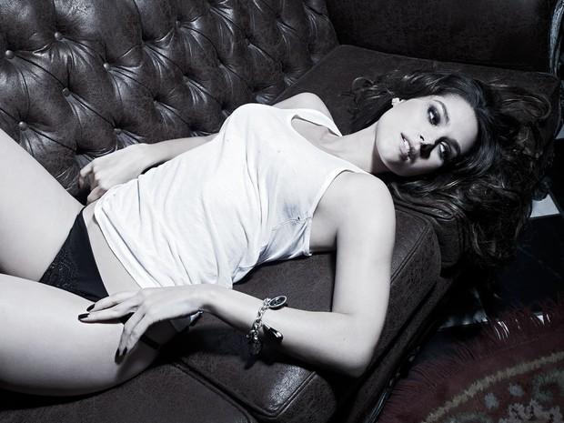 Fernanda Machado fotografa para a Revista VIP (Foto: Mauricio Nahas / Revista VIP / Divulgação)