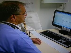 Médicos poderão consultar o histórico do paciente. (Foto: Reprodução/Intertv Jairo Martins)