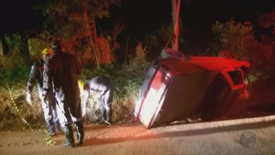 Homem morre após capotar carro em estrada próximo a Elói Mendes, MG