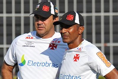 Ricardo Gomes e Cristovão Borges no treino do Vasco (Foto: Marcelo Sadio/Vasco.com.br)