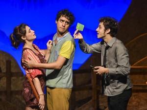 A peça Pedro Malazarte e a Arara Gigante é um espetáculo infantil escrito por Jorge Furtado (Foto: Paprica Fotografia / divulgação)
