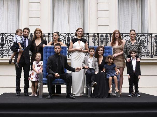 Com novos membros, família Medeiros posa mais uma vez (Foto: Raphael Dias/Gshow) (Foto: Divulgação/TV Sergipe)