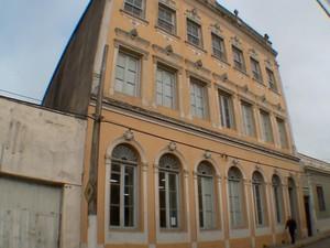 Apenas primeiro piso da escola está liberado (Foto: Reprodução/RBS TV)