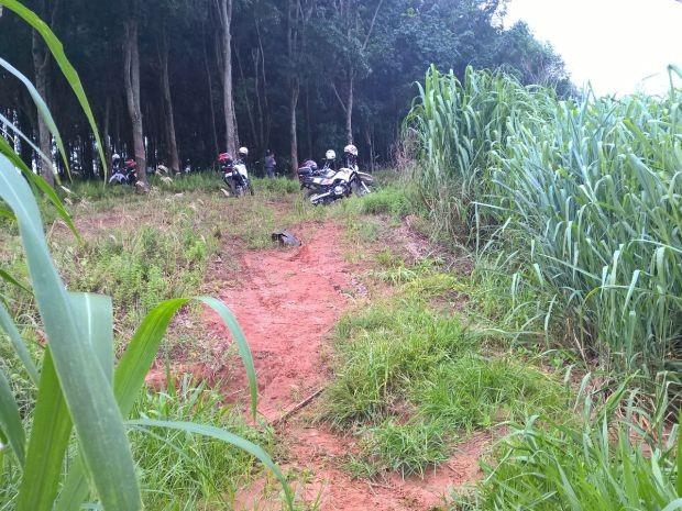 Rapazes foram presos em uma área rural (Foto: Alcyr Neto/ Rádio Centro-Oeste AM)