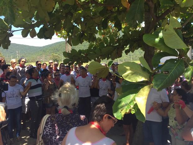 Protesto em Imbituba pede Justiça pela morte de menino Indígena (Foto: Edivaldo Dondossola/RBSTV)