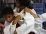 """Judoca de 16 anos é """"adotada"""" por campeã olímpica para ir à seleção"""