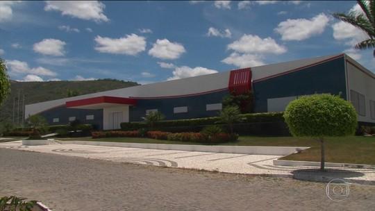 Dono do imóvel, ex-prefeito manda esvaziar prédio de prefeitura na BA