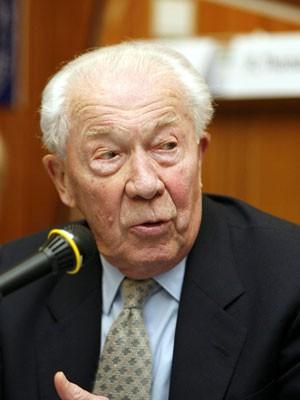 Christian De Duve em foto de 2006 (Foto: AFP)