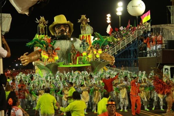 Escola de Samba homenageia o bloco 'A Banda' (Foto: Arquivo/Piratas Estilizados)