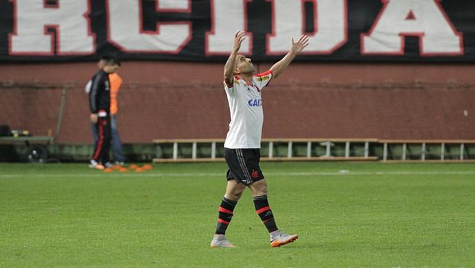 Emerson Sheik comemora gol contra o Joinville (Foto: Gilvan de Souza/Flamengo)