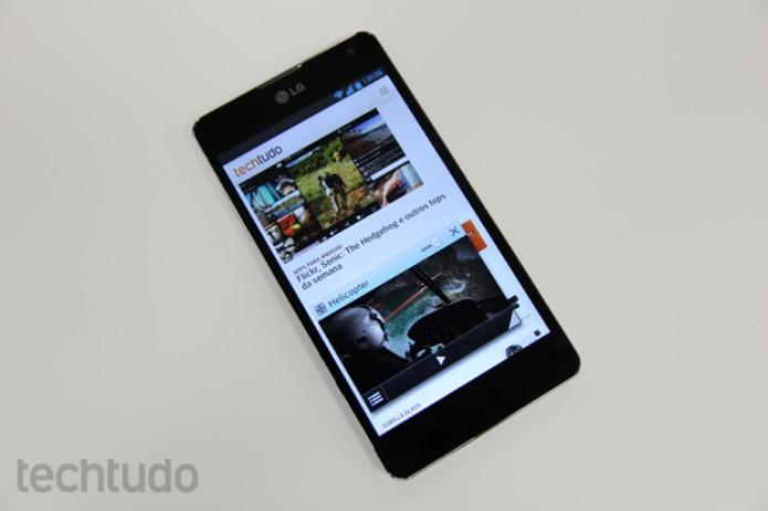 Optimus G oferece a reprodução de vídeos em janelas, junto com outras atividades (Foto: Elson de Souza/TechTudo)