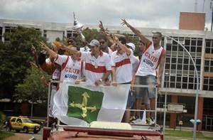 Em 2013, jogadores do Brasília desfilaram em carro aberto após a conquista da Liga Sul-Americana. (Foto: Brito Júnior / Divulgação)