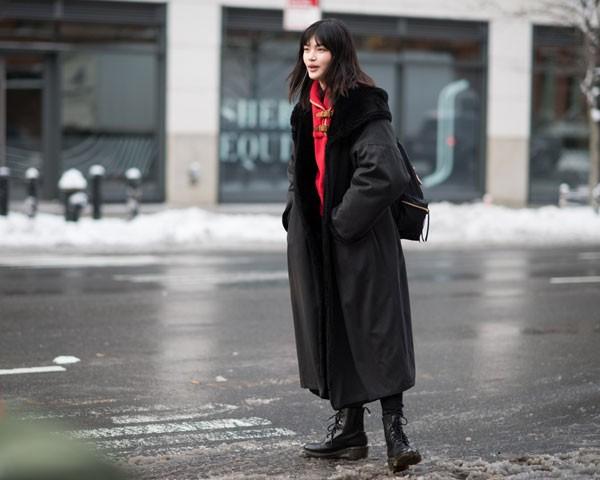 Street style da NYFW (Foto: Joanna Totolici )