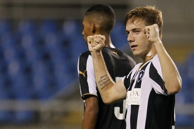 Luis Henrique Botafogo sub-17 (Foto: Vitor Silva / SSPress)