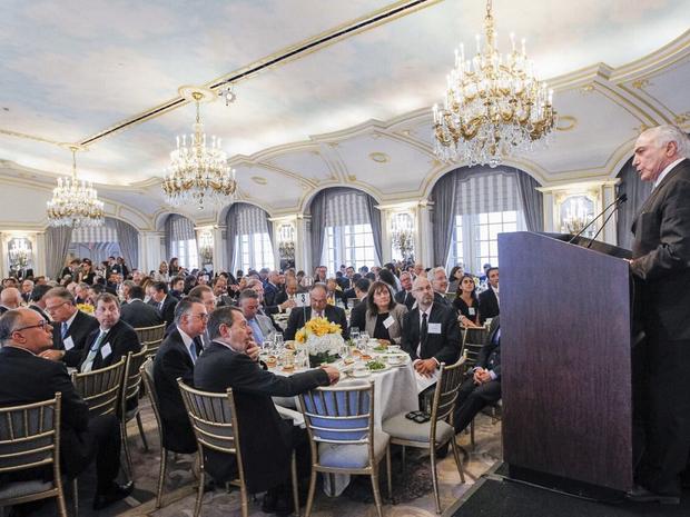 Michel Temer fala para empresários e investidores durante almoço em Nova York (Foto: Reprodução/Twitter)
