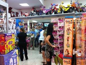 Comércio do DF espera aumento de 9% nas vendas no Dia das Crianças  (Foto: Káthia Mello/G1)