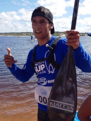 Mario Cavaco stand up paddle (Foto: Lucas Belchior / Divulgação FMA Notícias)