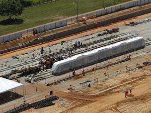 Construção do Centro de Controle do Veículo Leve sobre Trilhos (VLT), ao lado do Aeroporto Marechal Rondon, em Várzea Grande, região metropolitana de Cuiabá. (Foto: Edson Rodrigues / Secopa)