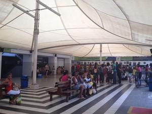 Pedestres têm embarque imediato (Foto: Juliana Almirante / G1)