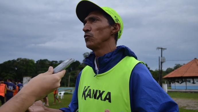 Joaci Moura, técnico São Francisco (Foto: Weldon Luciano/GloboEsporte.com)