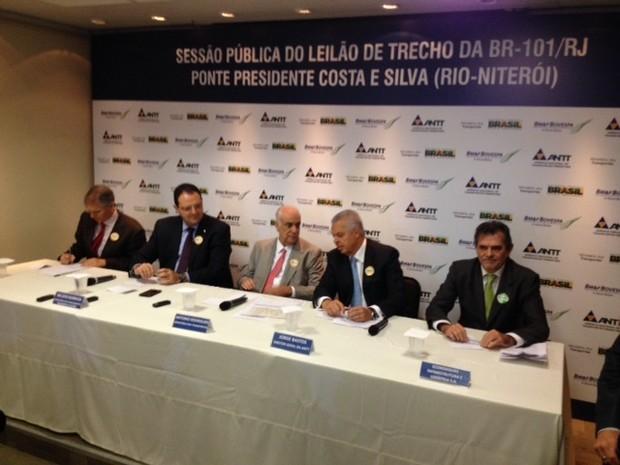 Ministro dos Transportes anuncia a nova concessionária da Ponte Rio-Niterói, a Ecorodovias (Foto: Darlan Alvarenga/G1)