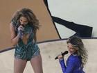 Claudia Leitte e JLo usam figurino sensual na abertura da Copa