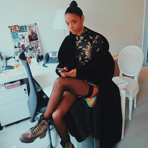 Fanny Bourdette-Donon em seu escritório na Dior (Foto: Instagram/Reprodução)
