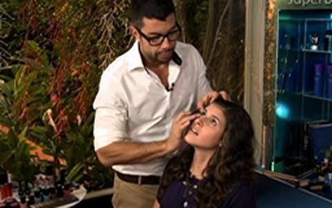 Fernando Torquatto ensina a aumentar os olhos com maquiagem