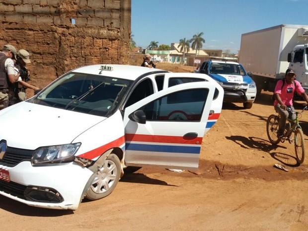 Homem foi morto dentro de táxi e parentes assassinados ao tentar socorrer (Foto: Jadiel Luiz / Blog Sigivilares)