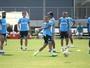 Substituto do artilheiro, Everton lidera chutes e melhora pontaria do Grêmio