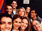 Participantes do 'Dança dos famosos' fazem selfie: 'Bora dançar?'