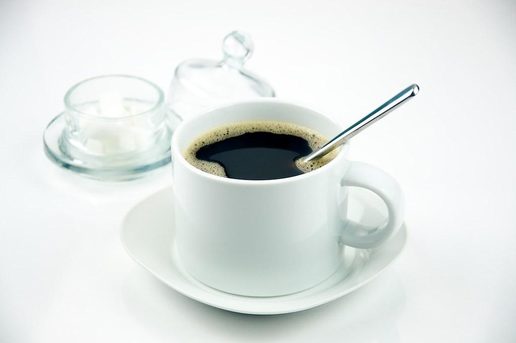 Café com açúcar (Foto: Wikimedia Commons)