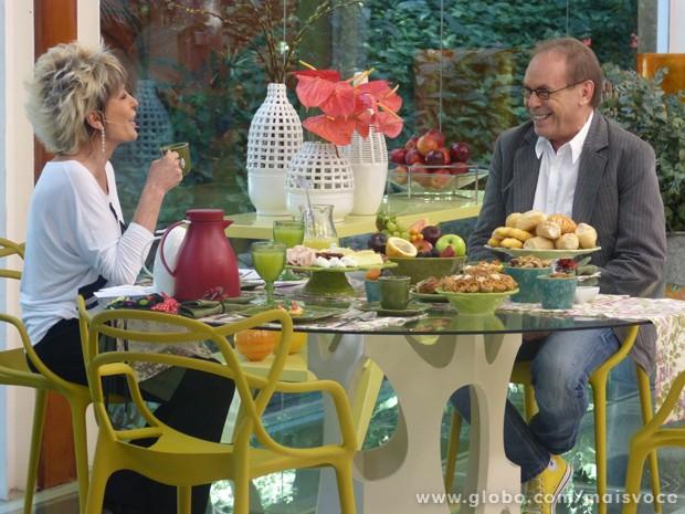 José Wilker e Ana Maria comentam frases marcantes do personagem Giovanni Improtta (Foto: Mais Você / TV Globo)