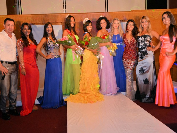 Mariana e as outras candidatas do concurso Miss Brasil Orlando 2014 (Foto: Vanessa Caetano Photograpy)