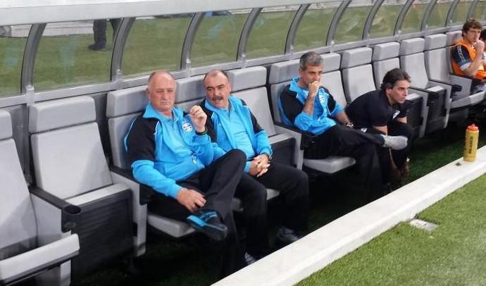 Felipão e Murtosa antes do jogo contra o Cruzeiro (Foto: Marco Astoni)