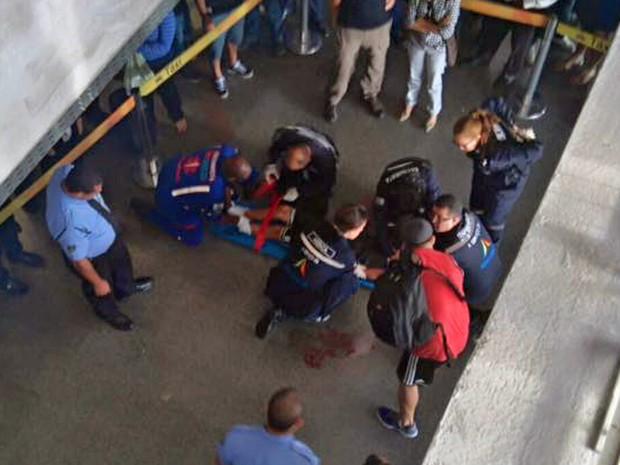 Adolescente de 14 anos caiu entre o vão dos viadutos de veículos do Aeroporto de Brasília (Foto: WhatssAp/Reprodução)