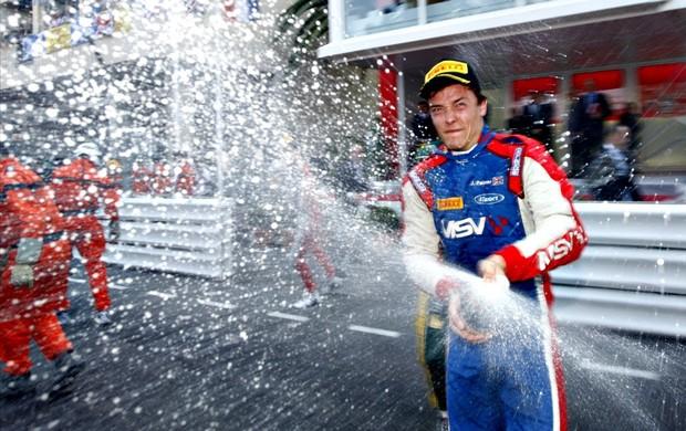 Palmer comemora vitória na conturbada prova de Mônaco da GP2 (Foto: Divulgação GP2)