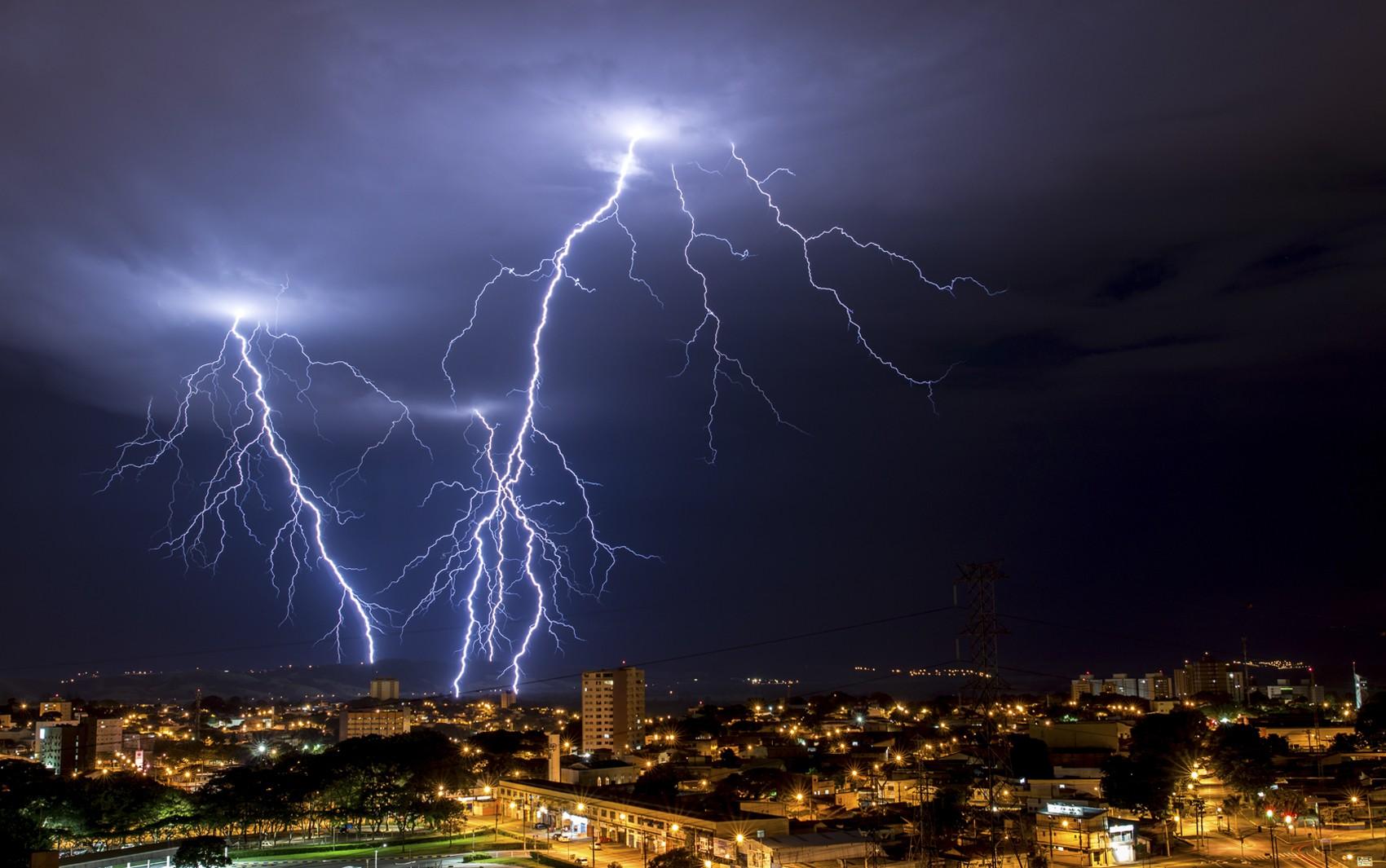 Imagens Raio Aeroporto : Natureza mudança do clima pode aumentar em a