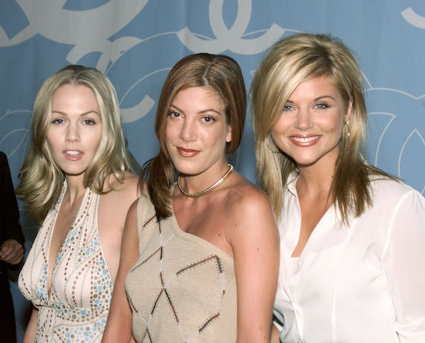 As atrizes Tori Spelling, Jennie Garth e Tiffani Thiessen (Foto: Getty Images)