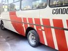Roda de micro-ônibus pega fogo no DF; ninguém fica ferido