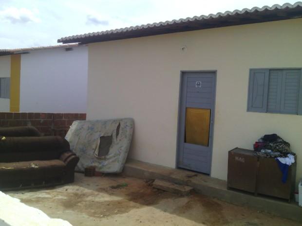 Homens são executados dentro de casa em Ceará-Mirim, RN (Foto: Julianne Barreto/Inter TV Cabugi)