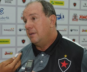 marcelo vilar, técnico do botafogo-pb, botafogo-pb, bota-pb (Foto: Lucas Barros / GloboEsporte.com/pb)