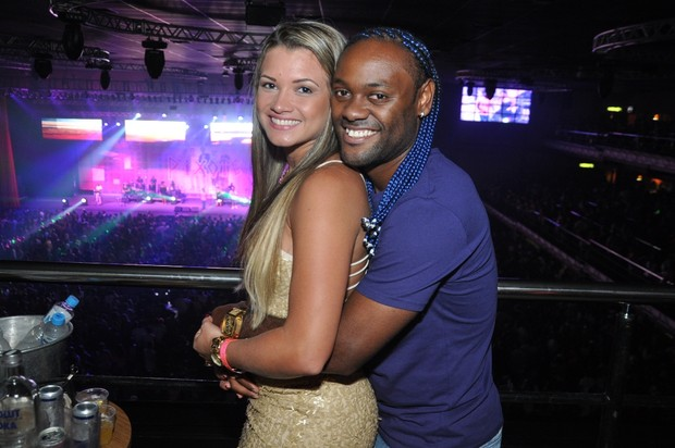 Vagner Love e a mulher (Foto: Bruno Henrique/Barra Music)