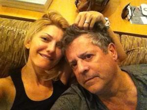 Antonia Fontenelle posta foto ao lado do marido, Marcos Paulo (Foto: Reprodução/Twitter)
