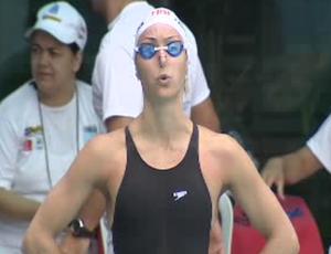 Fabíola Molina no nacional de natação em Guará (Foto: Reprodução/ TV Vanguarda)
