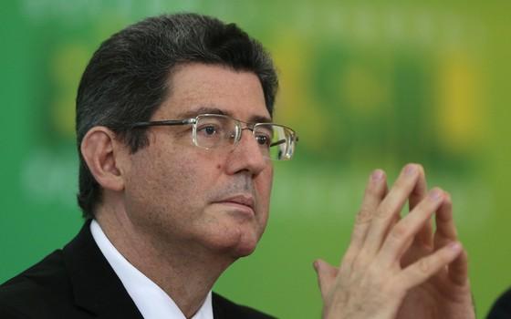 Joaquim Levy, ministro da Fazenda, anuncia recriação da CPMF (Foto: AP)